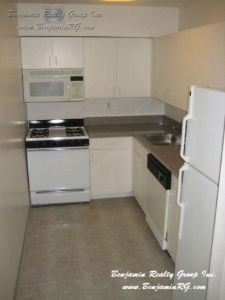 Rego Park Apartment
